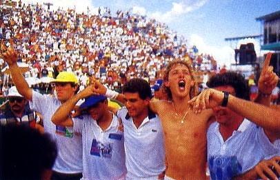Jaime Oncins na vitória sobre a Alemanha na Copa Davis, no Rio de Janeiro, em 1992